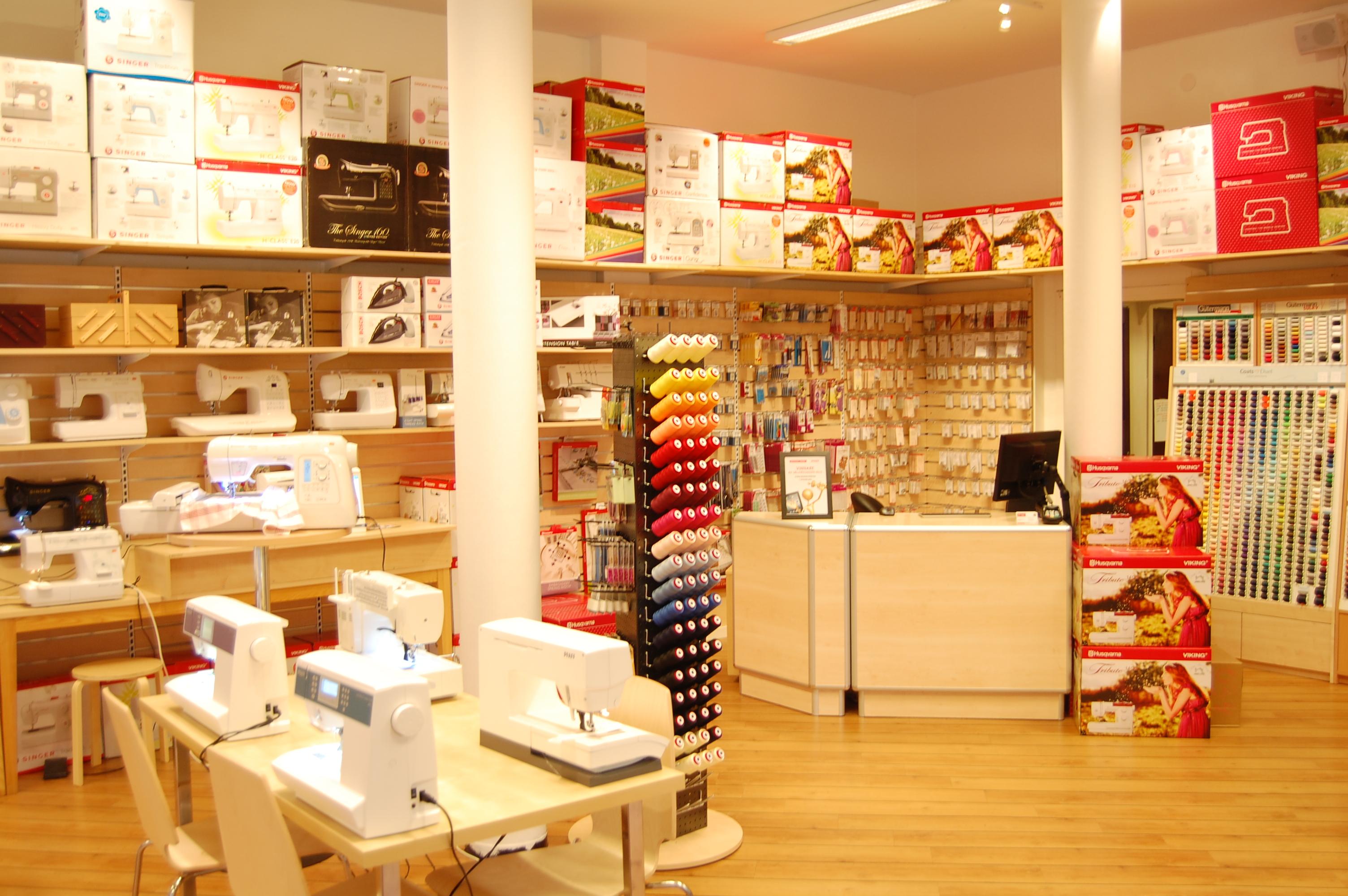 Välkomna till Göteborgs största och äldsta symaskinsbutik. Vi har funnits  sedan 1943 e71434644c463